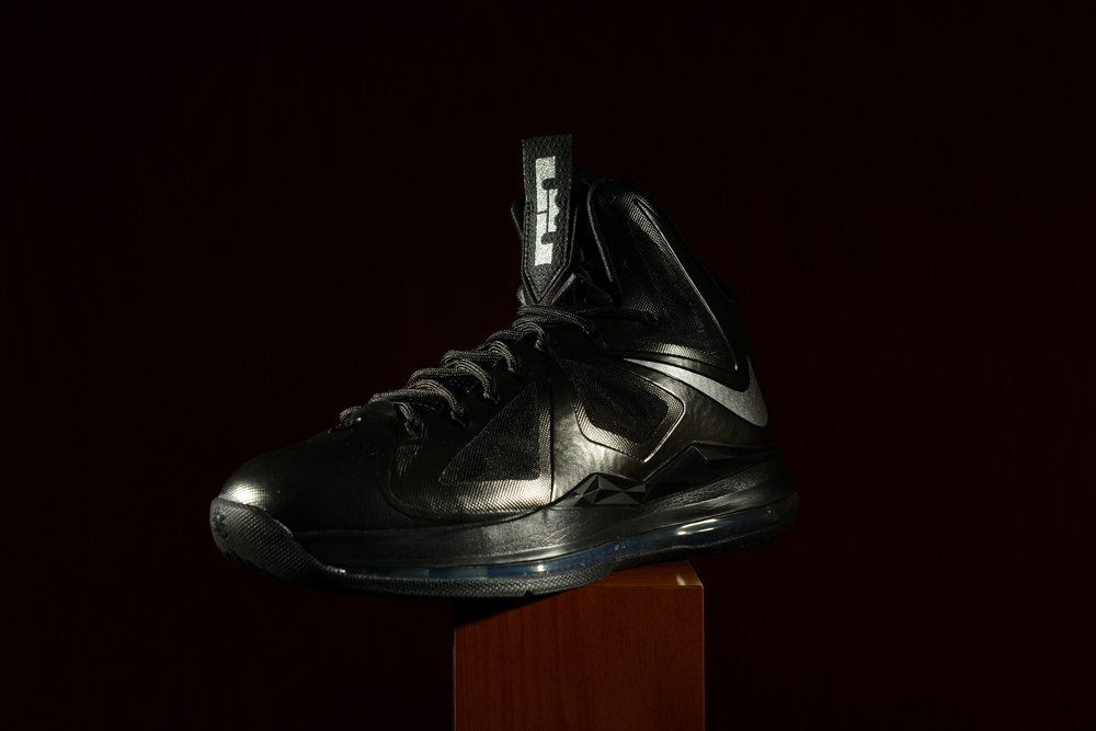 1b8e092f850c There s no slow start of Nike sneaker releases in December. You just might  want to consider every shoe dropping this month a potential gift to family  or ...