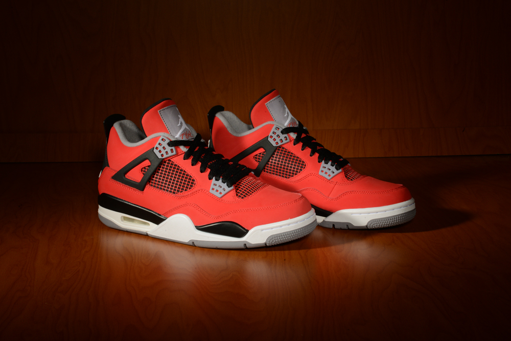 new products 883b5 1b76f Jordan Retro 4