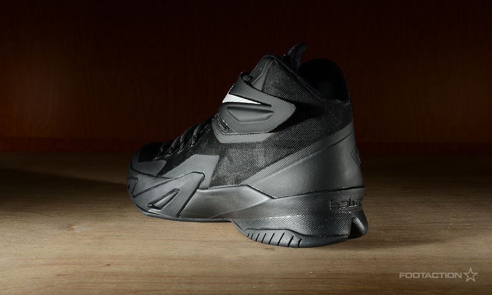 free shipping 8c868 775e4 Nike Zoom Soldier 8 Black/Metallic SilverFootaction Star Club