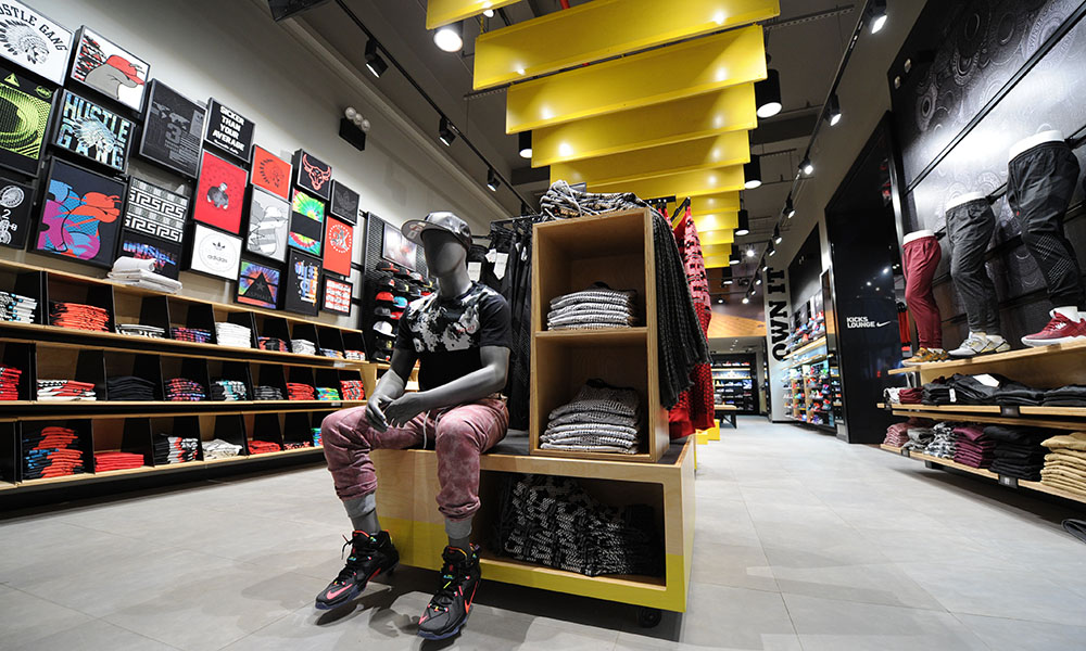 Footaction Flagship 4